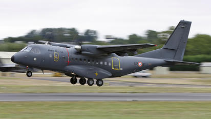 071 - France - Air Force Casa CN-235