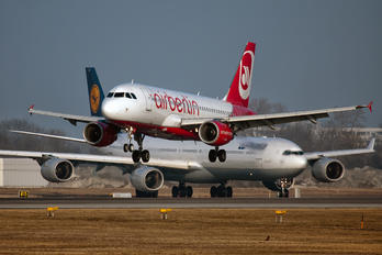 D-ABGJ - Air Berlin Airbus A319