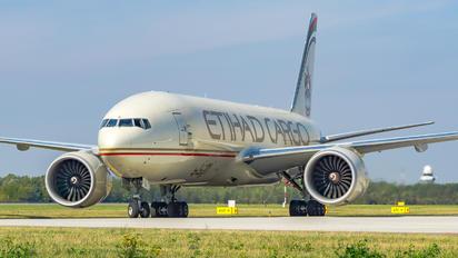 A6-DDC - Etihad Cargo Boeing 777F