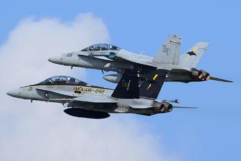 165685 - USA - Marine Corps McDonnell Douglas F/A-18D Hornet