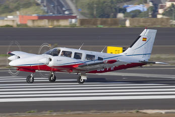 EC-FIF - Private Piper PA-34 Seneca