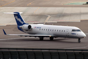 N465SW - SkyWest Airlines Canadair CL-600 CRJ-200