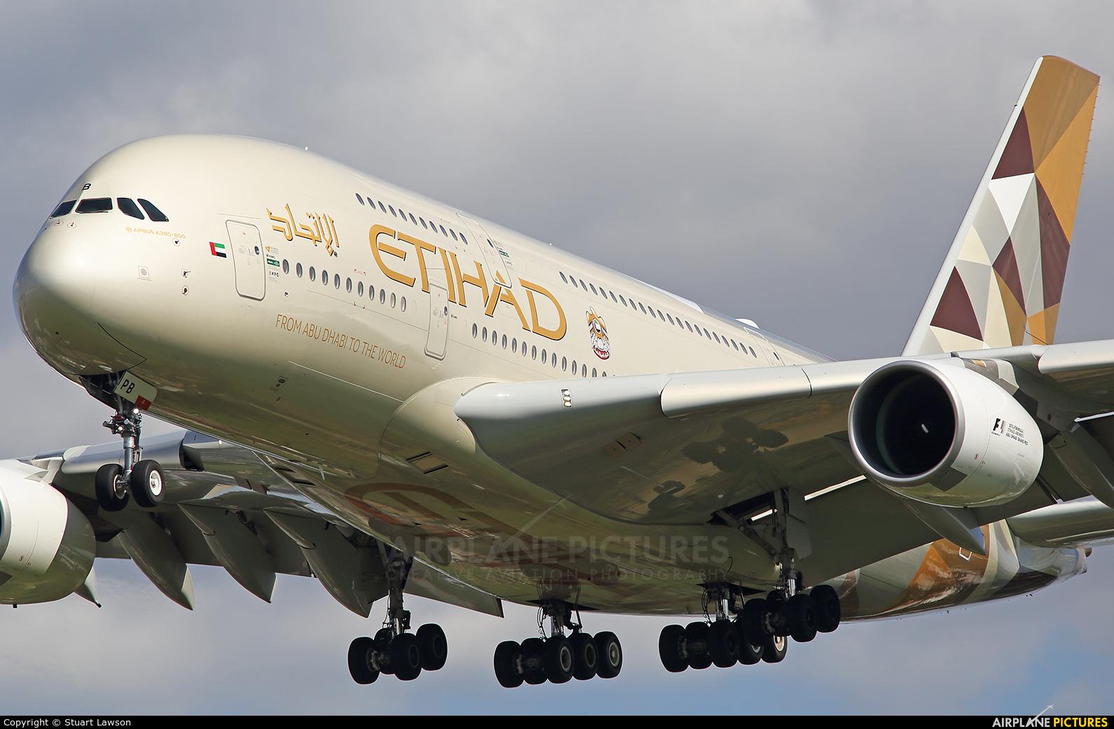 Etihad Airways A6-APB aircraft at London - Heathrow