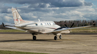SP-IVA - Private Beechcraft 90 King Air