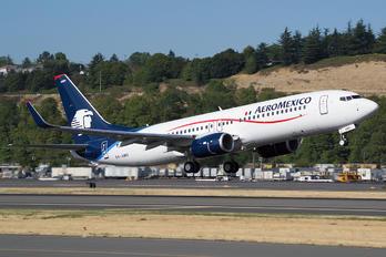 XA-AMV - Aeromexico Boeing 737-800
