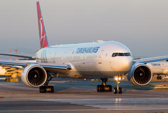 TC-LJA - Turkish Airlines Boeing 777-300ER