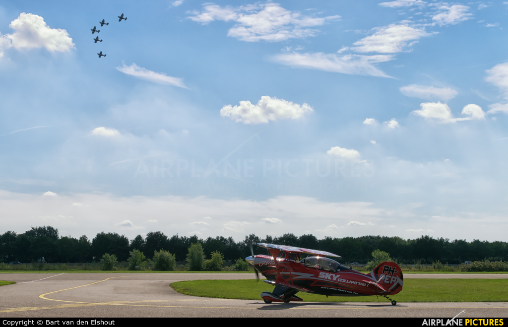 Sky  Academy PH-PEP aircraft at Hoeven - Seppe