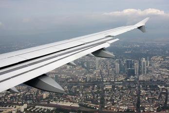 D-AIRU - Lufthansa Airbus A321