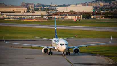 C-FZWS - WestJet Airlines Boeing 737-700