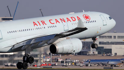 C-GHKX - Air Canada Airbus A330-300