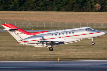 M-ACPT - Private British Aerospace BAE 125-1000