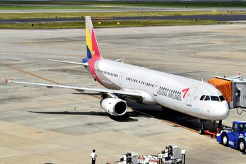 HL7763 - Asiana Airlines Airbus A321