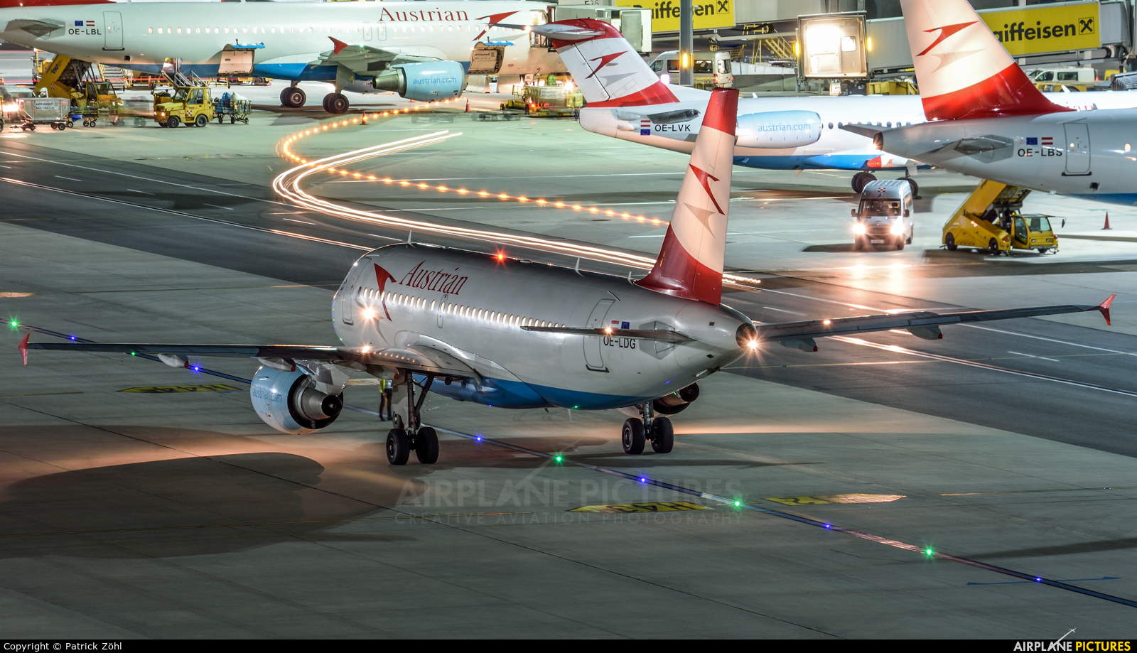 Austrian Airlines/Arrows/Tyrolean OE-LDG aircraft at Vienna - Schwechat