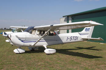 I-STDI - Private Cessna 172 Skyhawk (all models except RG)