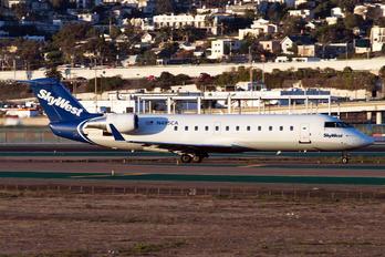 N495CA - SkyWest Airlines Bombardier CRJ-200ER