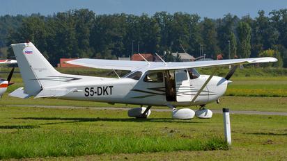 S5-DKT - Private Cessna 172 Skyhawk (all models except RG)