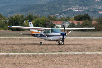 D-EIZN - Private Cessna 172 Skyhawk (all models except RG)