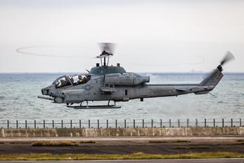 160744 - USA - Marine Corps Bell AH-1W Super Cobra