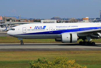 JA706A - ANA - All Nippon Airways Boeing 777-200