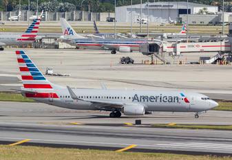 N930NN - American Airlines Boeing 737-800