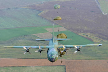 5930 - Romania - Air Force Lockheed C-130B Hercules