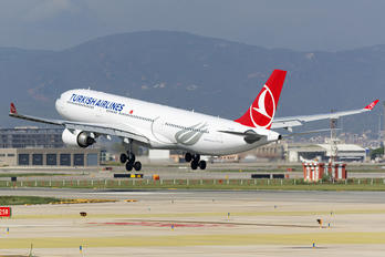 TC-JOB - Turkish Airlines Airbus A330-300