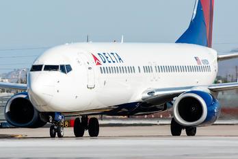 N395DN - Delta Air Lines Boeing 737-800