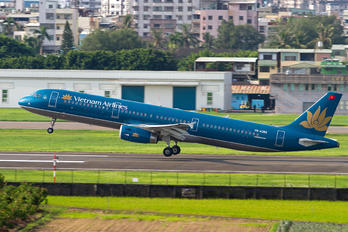 VN-A392 - Vietnam Airlines Airbus A321