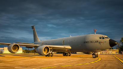93-CB - France - Air Force Boeing C-135FR Stratotanker