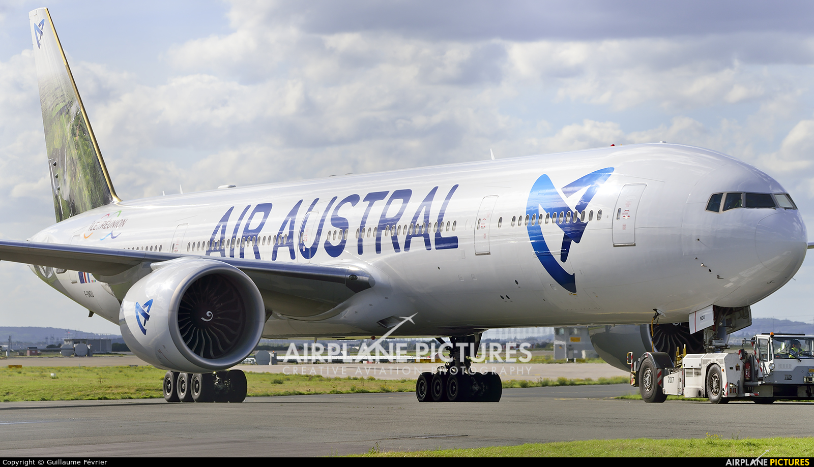 F onou air austral boeing 777 300er at paris charles for Interieur boeing 777