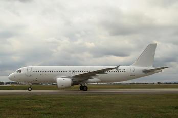 YL-LCN - SmartLynx Airbus A320