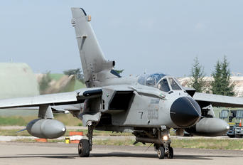 MM7047 - Italy - Air Force Panavia Tornado - ECR