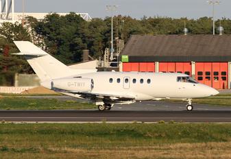 G-TWIY - Saxon Air Hawker Beechcraft 750