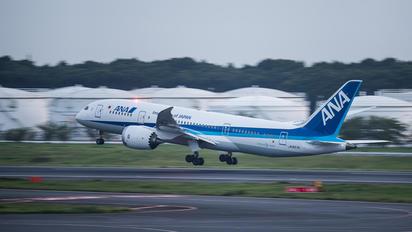 JA827A - ANA - All Nippon Airways Boeing 787-8 Dreamliner