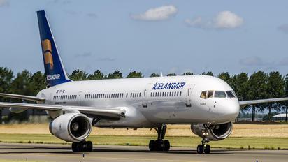 TF-FIW - Icelandair Boeing 757-200