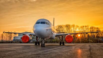 2-ERIK - Private Airbus A320