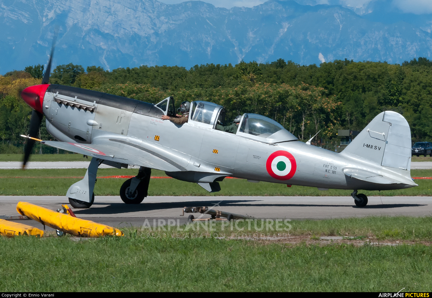 Private I-MRSV aircraft at Rivolto