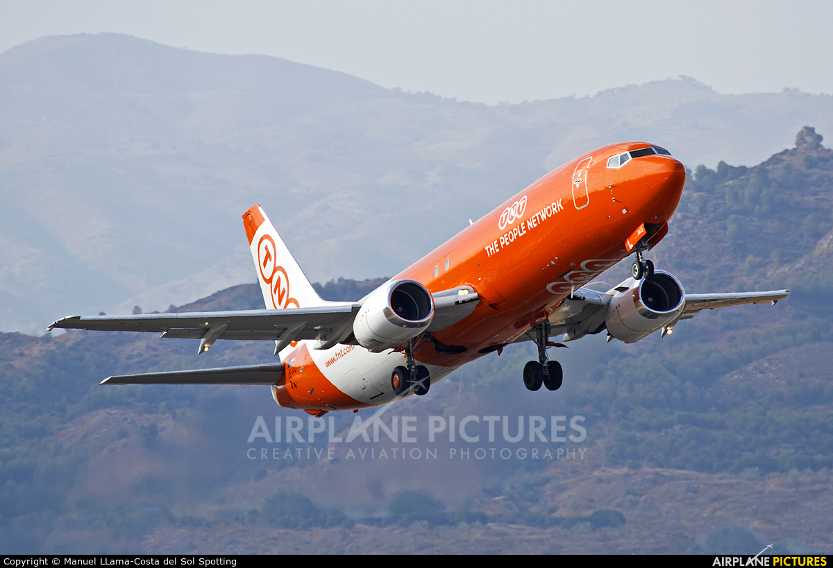 TNT OE-IAG aircraft at Málaga