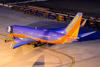 N210WN - Southwest Airlines Boeing 737-700