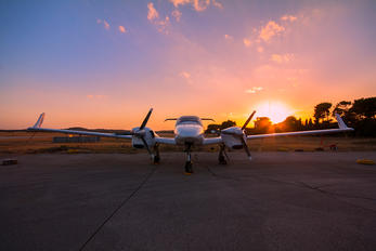 N12AG - Private Diamond DA 42 Twin Star