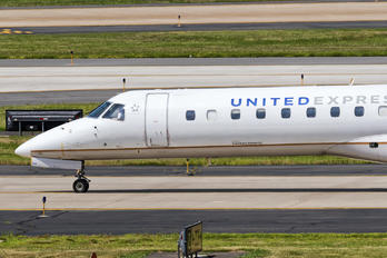 N834HK - United Express Embraer ERJ-145LR