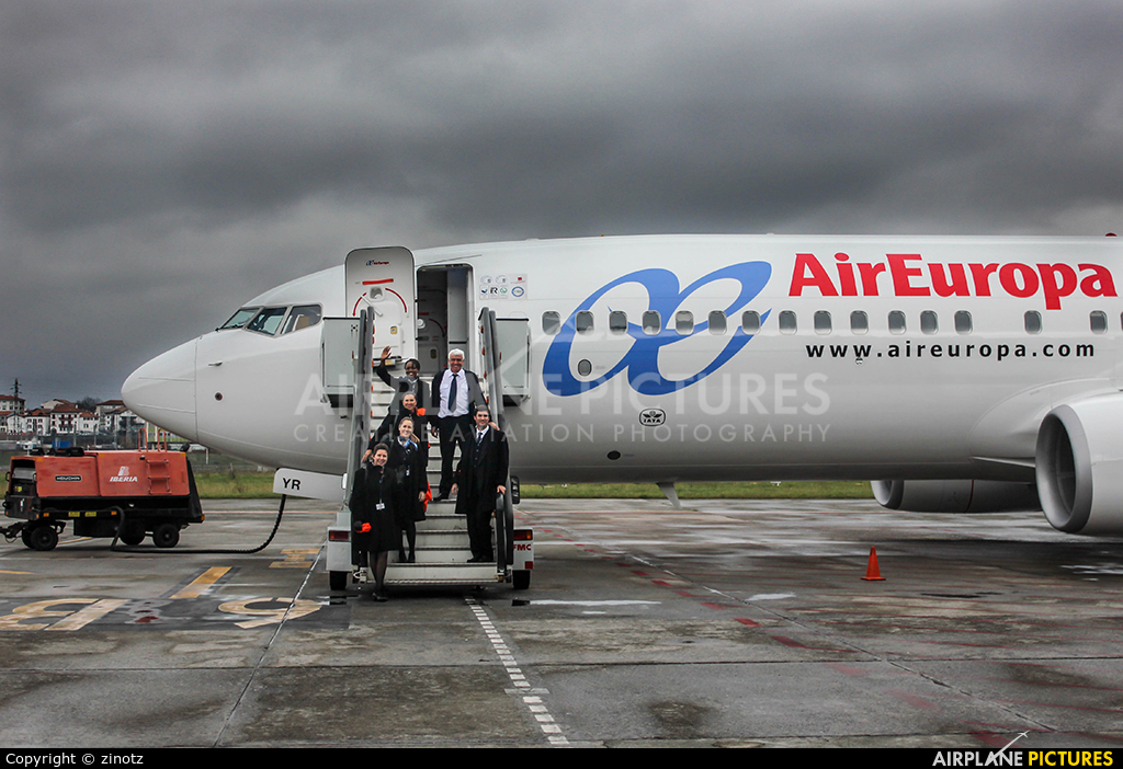 Air Europa EC-LYR aircraft at San Sebastian