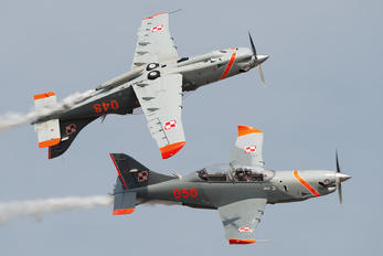 "050 - Poland - Air Force ""Orlik Acrobatic Group"" PZL 130 Orlik TC-1 / 2"