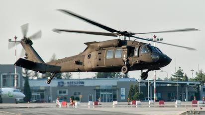 12-20571 - USA - Army Sikorsky UH-60M Black Hawk