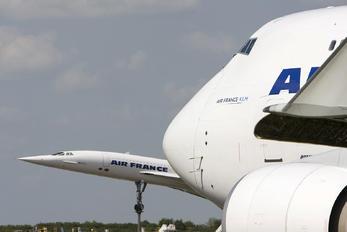 F-GIUF - Air France Cargo Boeing 747-400F, ERF