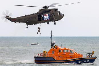 ZF117 - Royal Navy Westland Sea King HC.4