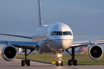 N14121 - United Airlines Boeing 757-200