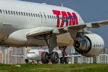 PR-MYY - TAM Airbus A320