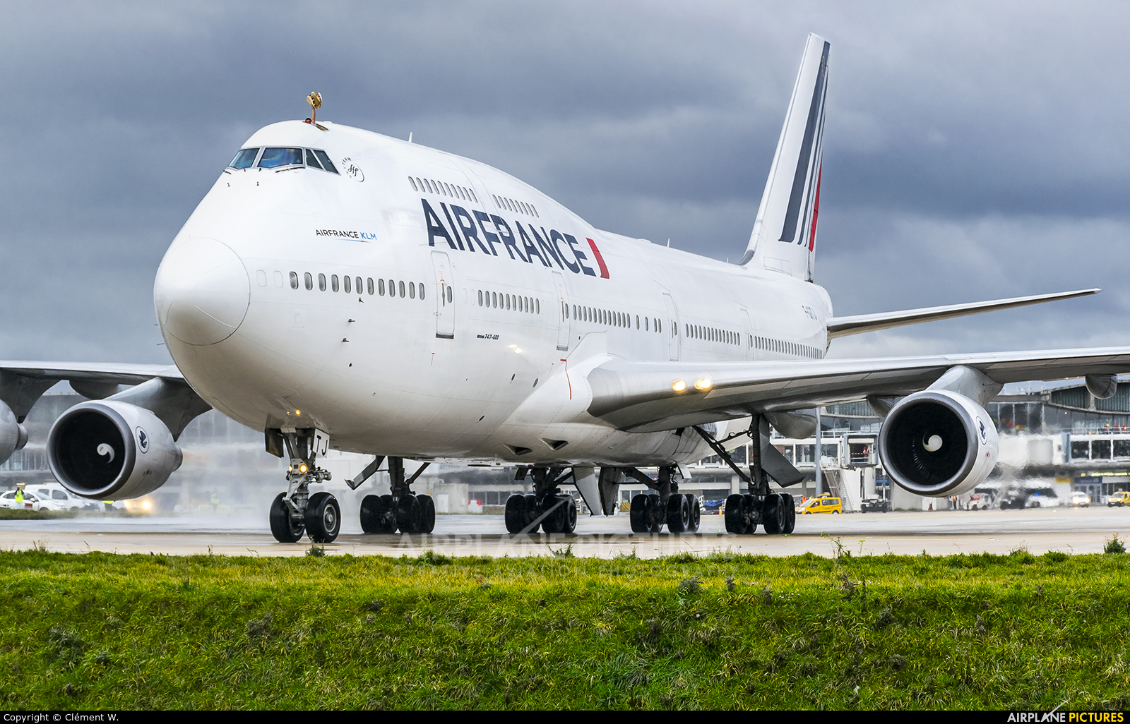 F gitj air france boeing 747 400 at paris charles de for Interieur 747 air france