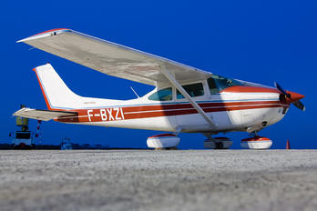 F-BXZI - Private Cessna 182 Skylane (all models except RG)